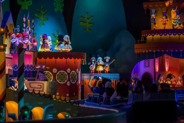 It's A Small Ride presents the different cultures of the world with dancing animatronics